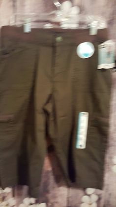 13.86$  Watch now - http://vixbh.justgood.pw/vig/item.php?t=x0q8o39755 - NWT Women's Lee Relaxed Fit Army green Skimmer Pants, Size 12P 13.86$