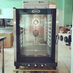 UNOX (Italy) XB813G 10 tray (60 x 40 cm) LPG manual steam convection oven with a commercial grade stainless steel chamber and easy cleaning features, available here or contact Chris (store manager) 09173012331 , 09435333291 , 032 4957828 or visit www.mrmetalcorp.com #cebu #food #kitchen #restaurant #foodservice #bakery #pastry #steam #convection #oven #culinary #catering