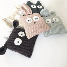 Mesmerizing Crochet an Amigurumi Rabbit Ideas. Lovely Crochet an Amigurumi Rabbit Ideas. Crochet Home, Love Crochet, Crochet Gifts, Crochet Cushions, Crochet Pillow, Crochet Teddy, Crochet Dolls, Crochet Stitches Patterns, Crochet Designs