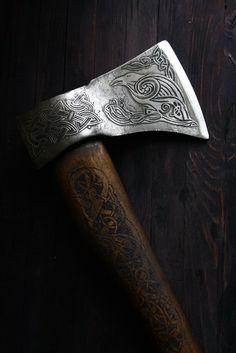 """""""Hrafn"""" Viking axe"""
