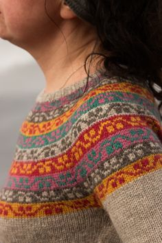 Inspired by a beautiful Kashmir shawl at Gawthorpe Hall, this yoke sweater with matching, separate gauntlets celebrates the life and work of Rachel Kay Shuttleworth, who founded a wonderful textile collection for future generations to enjoy. Fair Isle Knitting Patterns, Jumper Patterns, Fair Isle Pattern, Knitting Designs, Knitting Projects, Loom Knitting, Knitting Stitches, Hand Knitting, Yarn Thread