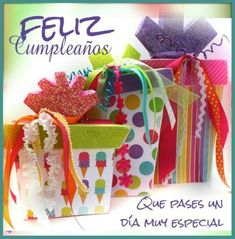 baby favor: birthday present decor - crafts ideas - crafts for kids Baby Favors, Birthday Favors, Birthday Presents, Birthday Decorations, Birthday Cards, Spanish Birthday Wishes, Happy Birthday Greetings, Cute Presents, Decor Crafts