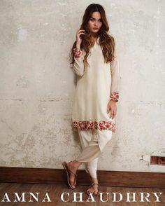 Pakistani Fashion Casual, Pakistani Outfits, Indian Outfits, Indian Dresses, Pakistani Formal Dresses, Pakistani Dress Design, Kurti Designs Party Wear, Kurta Designs, Women's Fashion Dresses