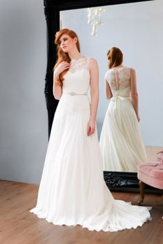 The romantic 2015 Iconic bridal collection from Naomi Neoh | Wedding Dresses | Plan Your Perfect Wedding