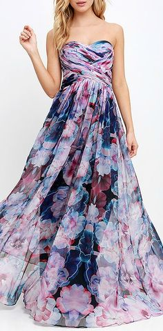 Don't know where I would wear this but it's so pretty!  Kristine's Likes: Colors, neckline, waistline