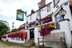 Fullers Pubs, Restaurants and Taverns: The Swan Hotel - Home