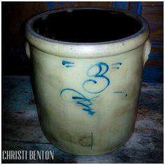 ~#3 Salt Glazed Crock~ Antique Crocks, Old Crocks, Antique Stoneware, Stoneware Crocks, Glazed Pottery, Glazes For Pottery, Kitchenware, Tableware, Bee Sting