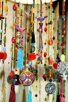 Beautiful bohemian beaded curtains decor ideas (52)