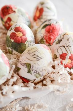 EASTER EGG-STRAVANZA! Lots of ways to dye and use easter eggs!