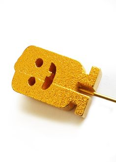 Little mister Gold Digger lapel pin - TouchéToday