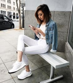 Walking on clouds - Adidas White Sneakers - Latest and fashionable shoes Summer Outfits, Casual Outfits, Cute Outfits, Fashion Outfits, Casual Jeans, School Outfits, Fashion Models, Fashion Brand, Ultraboost Outfit Women