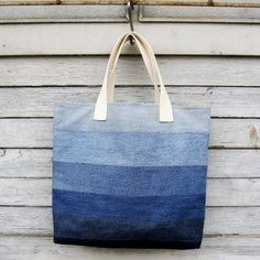 Denim Tote Bag 2 upcycled bag jeans bag by Nudakillers Denim Tote Bags, Denim Purse, Denim Bags From Jeans, Diy Jeans, Recycle Jeans, Jean Purses, Purses And Bags, Patchwork Bags, Denim Patchwork