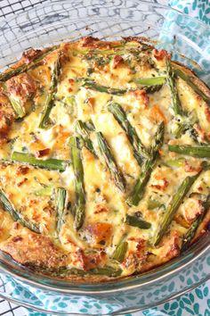 Asparagus, Pumpkin and Feta Crustless Quiche Quiche Recipes, Light Recipes, Vegetable Recipes, Salad Recipes, Vegetarian Lunch, Vegetarian Recipes, Cooking Recipes, Healthy Recipes, Quiches