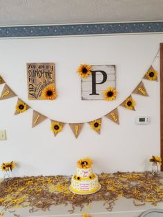 Ideas Baby Shower Ides Sunflower Birthday Parties For 2019 2nd Baby Showers, Baby Girl Shower Themes, Baby Shower Invites For Girl, Baby Shower Parties, Baby Shower Invitations, Sunflower Birthday Parties, Sunflower Party, 18th Birthday Party, Girl First Birthday