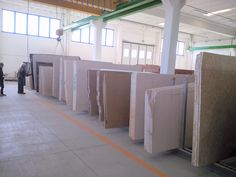 Il nostro #deposito #lastre. 3000 mq coperti. #marmo #granito #porfido #limestone #travertino #trani #okite #lapitec #edilizia #costruzioni #architettura #pietra #stone