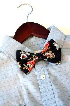 Mens Bow Tie in Vintage Floral print by blackswanaccessories, $12.00