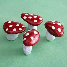Nature-Inspired Crafts for Kids - Kids Crafts and Activities - Rock Mushrooms – Wouldn't these look cute in your fairy garden? My Fairy Garden, Garden Art, Fairies Garden, Gnome Garden, Fairy Gardening, Garden Design, Kitchen Gardening, Succulent Gardening, Gardening Quotes
