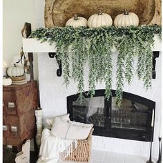 Farmhouse Living Room Decor Ideas - for the summer season and also late summer complete with huge farmhouse indicators, pottery, rustic wood, and also fresh lilac cuttings. Fall Home Decor, Autumn Home, Diy Home Decor, Boho Home, Decoration, Farmhouse Decor, Farmhouse Ideas, Farmhouse Design, Living Room Decor