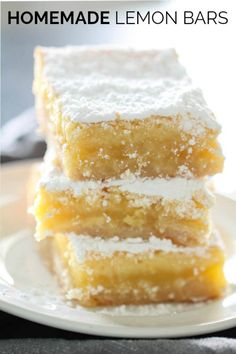 The Best Homemade Lemon Bars - lemon desserts Köstliche Desserts, Pudding Desserts, Delicious Desserts, Easy Lemon Desserts, Baking Recipes, Cookie Recipes, Lemon Cookies, Bar Cookies, Cookie Bars