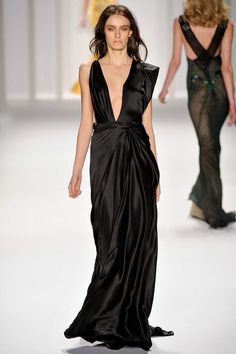 See the complete J. Mendel Fall 2012 Ready-to-Wear collection.