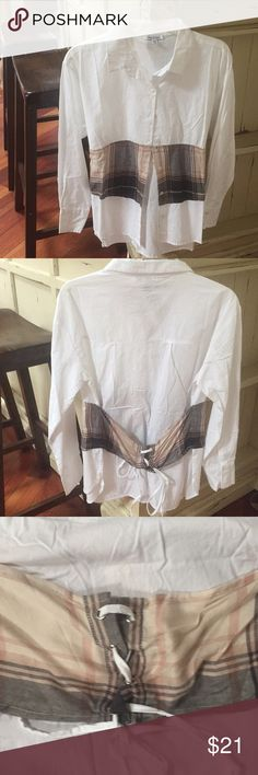 Brand new never worn top medium look at back also Brand new top never worn super cute with corset back size medium ! Front has buttons and a snap Tops Button Down Shirts