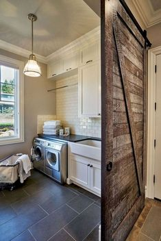 Do you want to create the best nice modern farmhouse laundry room ideas in your home? Then, how to create a good farmhouse laundry room design? Laundry Room Tile, Rustic Laundry Rooms, Laundry Room Layouts, Farmhouse Laundry Room, Small Laundry Rooms, Laundry Room Design, Farmhouse Style, Modern Farmhouse, Style Cottage