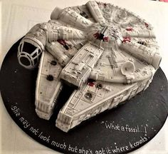 Millennium Falcon Star Wars cake made by Pro member Susan reynolds # starwars Star Wars Party, Star Wars Birthday Cake, Star Wars Cake Toppers, Star Wars Cupcakes, Bolo Star Wars, Cake Decorating Courses, Star Wars Gifts, Disney Cakes, Susan Reynolds