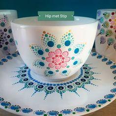#colorfulldots #dotpainting #dotmandala #handmadegifts #polkadotting #lovelypicture #hipmetstip #porcelaindotting #porcelainart