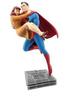 DC Comics Estatua Superman Rescues Lois Lane 23 cm