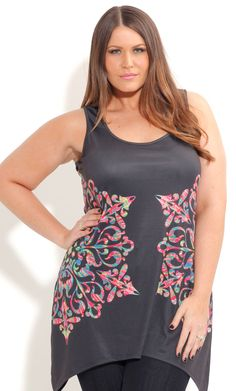 This geometric top is bursting with color and is right on trend with its tie dye print. Features include scoop neck, sleeveless,draped hem and is made from super stretchy material. Simple Outfits, Chic Outfits, Fashion Outfits, Womens Fashion, Curvy Fashion, Plus Size Fashion, Petite Fashion, Plus Size Dresses, Plus Size Outfits