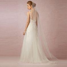 2016 Long Ivory Bride Bridesmaid Wedding Veils Dress Accessories Cheap Modest Hand Made Flower Applique Beads Sequins Hot Sale
