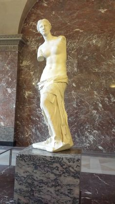 Fotografía: Guía Marcia Cruz- Venus de Milo, Louvre Greek, Statue, Art, Venus De Milo, Photos, Craft Art, Greek Language, Kunst, Gcse Art
