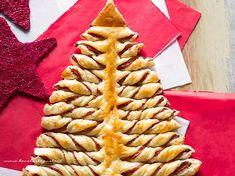Albero di Natale di pasta sfoglia, la Ricetta passo passo (facile e veloce!) Antipasto, Party Time, Waffles, Christmas Crafts, Food And Drink, Breakfast, Christmas Class Treats, Oven, Noel