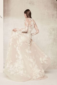 Elie Saab's Spring 2018 Bridal Gowns are the Perfect Inspiration for Blush and Floral Dresses Wedding Dress Sleeves, Long Sleeve Wedding, Dream Wedding Dresses, Designer Wedding Dresses, Bridal Dresses, Wedding Gowns, Lace Dress, Gown Dress, Floral Dresses