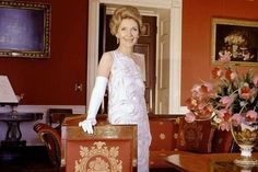 First Ladies' Fashion Over The Years - Past Factory Betty Ford, Nancy Reagan, Ladies Fashion, Womens Fashion, President Ronald Reagan, White Beads, Lace Overlay, Silk Satin, Her Style