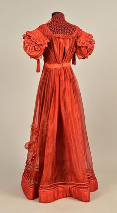 LOT 136 FRENCH GAUZE GOWN with TIPPET, 1828 - whitakerauction