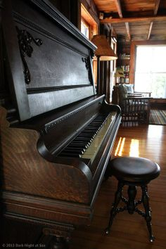 Old up right piano... I learned on one. My teacher was a concert pianist in her day.