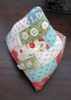 Tetrahedron Pincushion - Miss Rosie