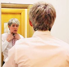 Niall getting ready for Greg's wedding [gif] >>> now imagine it being your wedding he's getting ready for..... *cries*