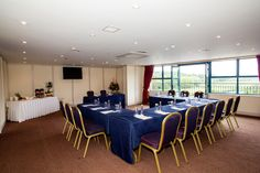 Rooms can be adapted according to the meeting/conference needs Conference Meeting, Riverside Park, Team Building Events, Park Hotel, Be Perfect, Rooms, Furniture, Home Decor, Quartos
