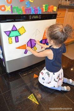 21 Fast & Easy Math Activities Looking for math activities for the kids? Here are 21 quick and simple math activities perfect for toddlers and preschoolers. The post 21 Fast & Easy Math Activities appeared first on Toddlers Ideas. Preschool Learning Activities, Educational Activities, Toddler Preschool, Preschool Activities, Toddler Activities Daycare, Dinosaurs Preschool, Preschool Garden, Math For Kids, Fun Math