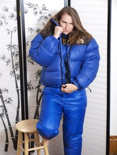 47 Sexy Women Winter Outfits Ideas To Makes You Stand Out - Aksahin Jewelry Nylons, Down Puffer Coat, Down Parka, Cool Jackets, Jackets For Women, Down Suit, Winter Suit, Puffy Jacket, Winter Outfits Women