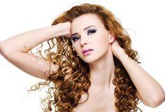 Bốn bí quyết hữu ích dành cho tóc xoăn