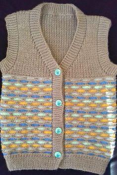 Season ' s trendiest Baby Cardigan Vest tricô modelos Baby Cardigan, Cardigan Bebe, Baby Pullover, Baby Vest, Baby Knitting Patterns, Baby Sweater Knitting Pattern, Vest Pattern, Pull Bebe, Boys Sweaters