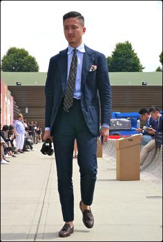 kerloaz Mr Alan See Treviorum Mature Mens Fashion, Best Mens Fashion, Suit Fashion, Gentleman Mode, Gentleman Style, Suit Up, Suit And Tie, Mens Attire, Mens Suits
