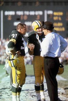 Nfl Football Players, Packers Football, Sport Football, Green Bay Packers History, Vince Lombardi Quotes, Nfl Hall Of Fame, Bart Starr, Nfl History, Football Conference