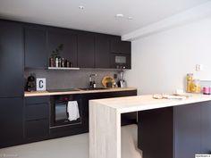 musta keittiö,keittiön työtaso