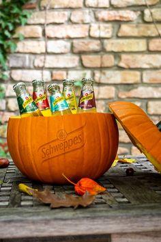Oktoberfest Party, Halloween Inspo, Halloween Party, Halloween Cocktails, Ginger Beer, Party Snacks, Berries, Pumpkin, Seasons