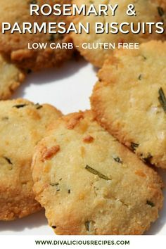 Rosemary Parmesan biscuits are baked with almond flour and make a savoury biscui… Low Carb Biscuit, Low Carb Bread, Low Carb Keto, Keto Bread, Low Carb Dinner Recipes, Low Carb Desserts, Keto Recipes, Lunch Recipes, Healthy Recipes