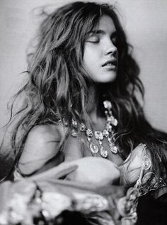 Natalia Vodianova shot by Paolo Roversi for Vogue Italia. I feel more drawn to his black and white photos Paolo Roversi, Natalia Vodianova, Portraits, Vintage Fashion Photography, Wedding Night, Italian Fashion, Italian Beauty, Madame, Black And White Photography